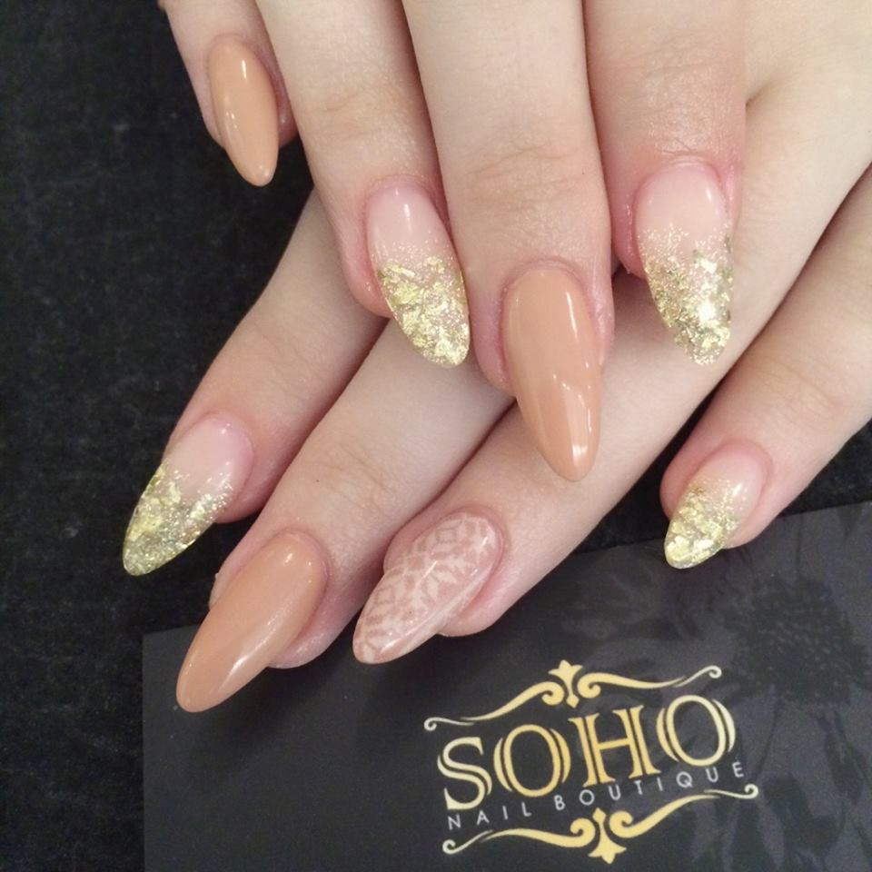 Soho_manicure_pedicure_kitsilano_vancouver_Tan_gold_extension